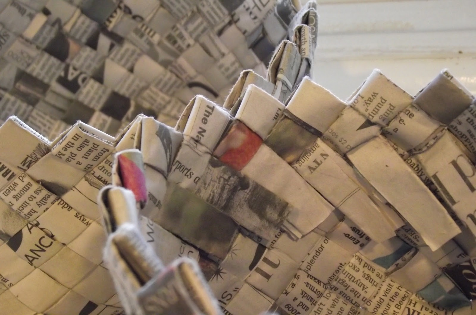 Basket Weaving Using Newspaper : Make it and use making woven newspaper baskets