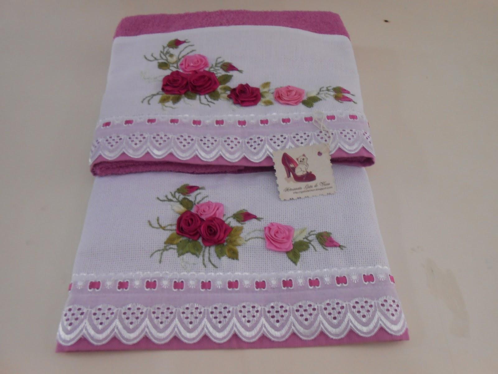 Artesanato patchwork em toalha de banho com