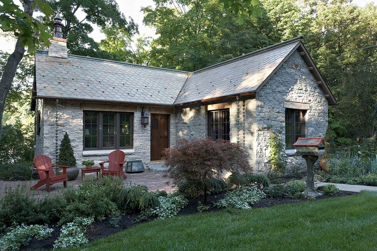 35 house photos with stone clad design for Tiny house design