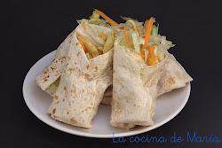 kebab casero con verduras y pollo