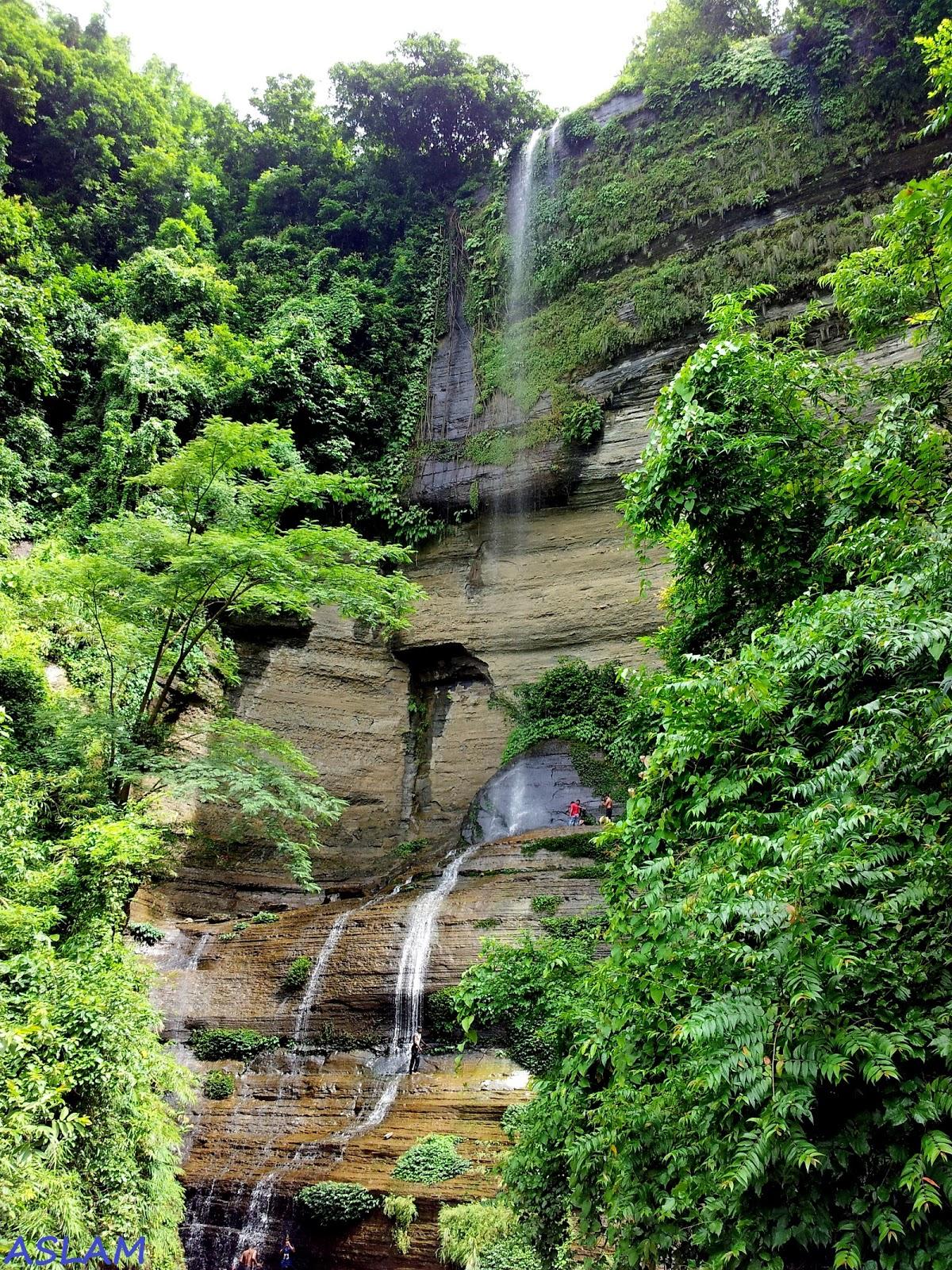 Shuvolong Waterfall.