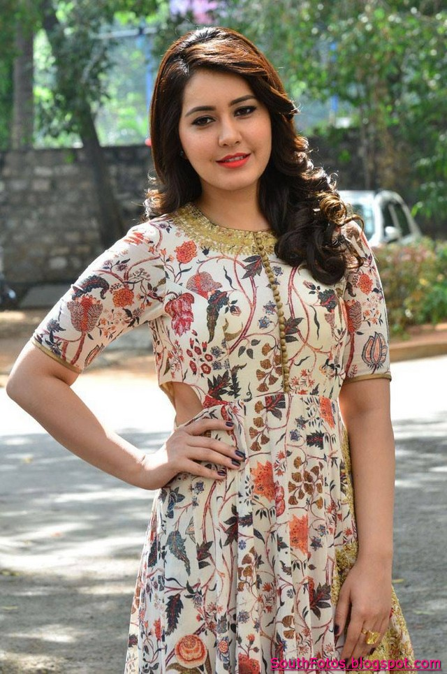 Rashi Khanna Latest Hot Images