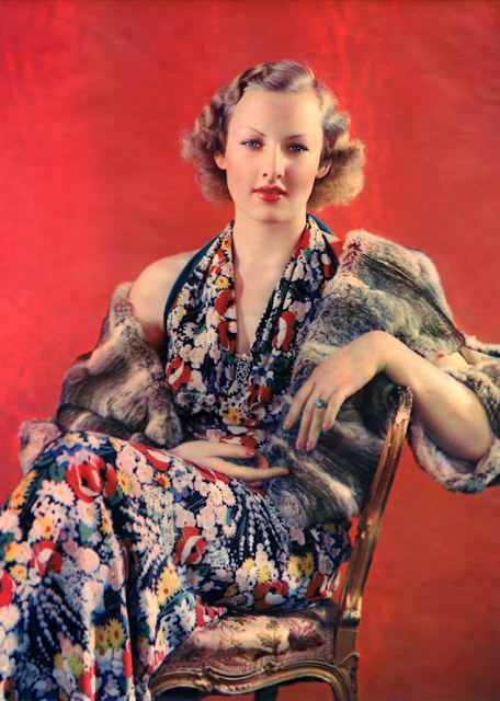 Delicious 30s Fashion #1930s #dress #floral #vintage #fashion #30s #red