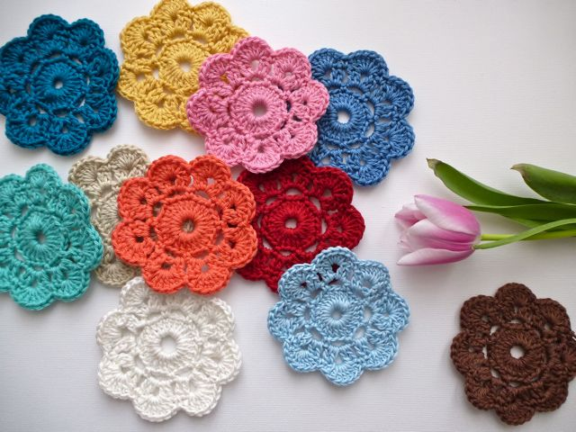Simple Crochet Flower Pattern Free : My Rose Valley: The Maybelle Crochet Flower