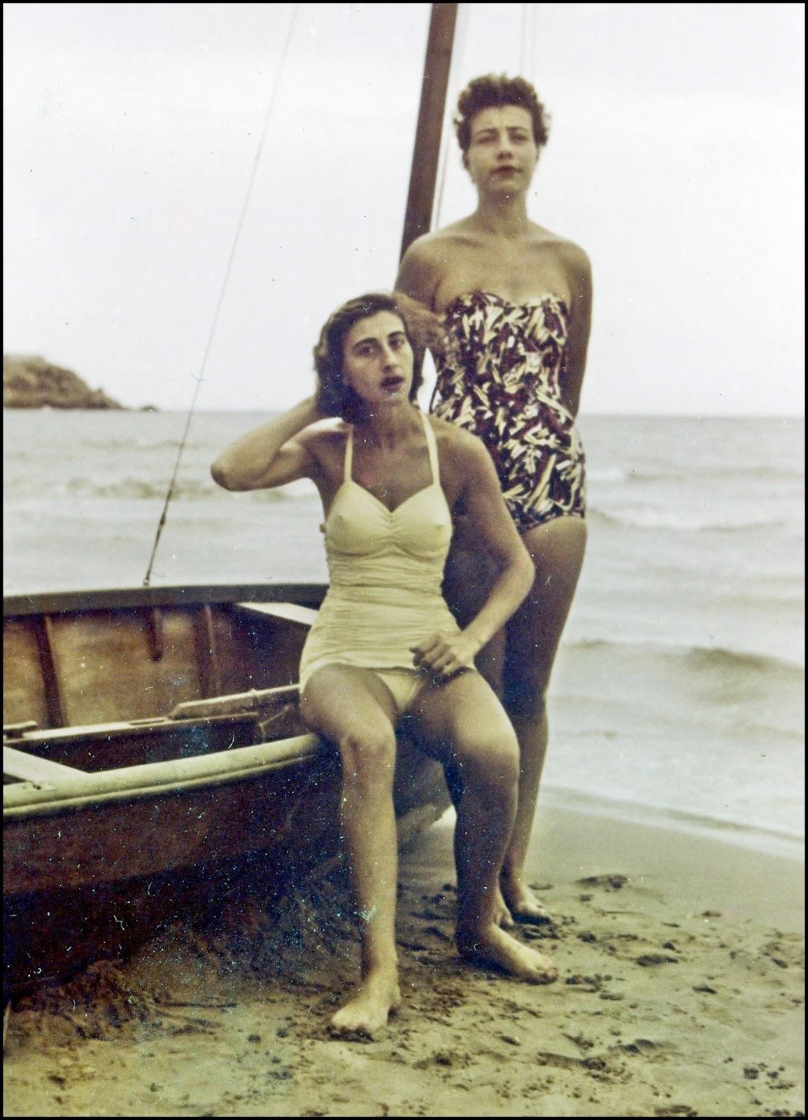 fotos mujeres playa espana