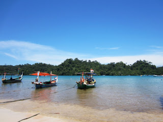 Visitindonesia; Sendang Biru Beach, The Bluish H2o Amongst Beautiful Panorama