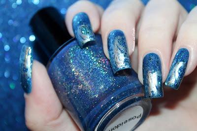 A Poseidon // ocean nail art
