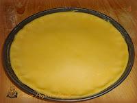 Crostata con ripeno di crema pasticcera e amaretti