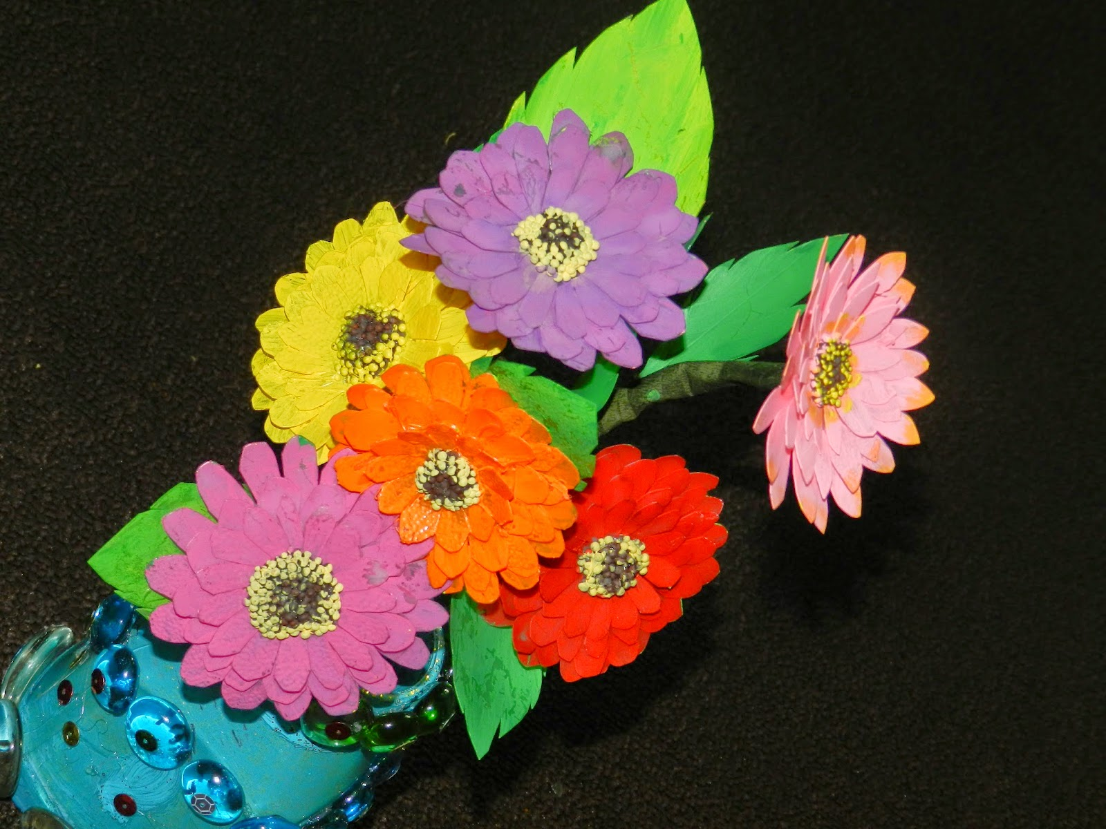 Creative diy crafts recycled milk jug crafts zinnia for Recycled flower art