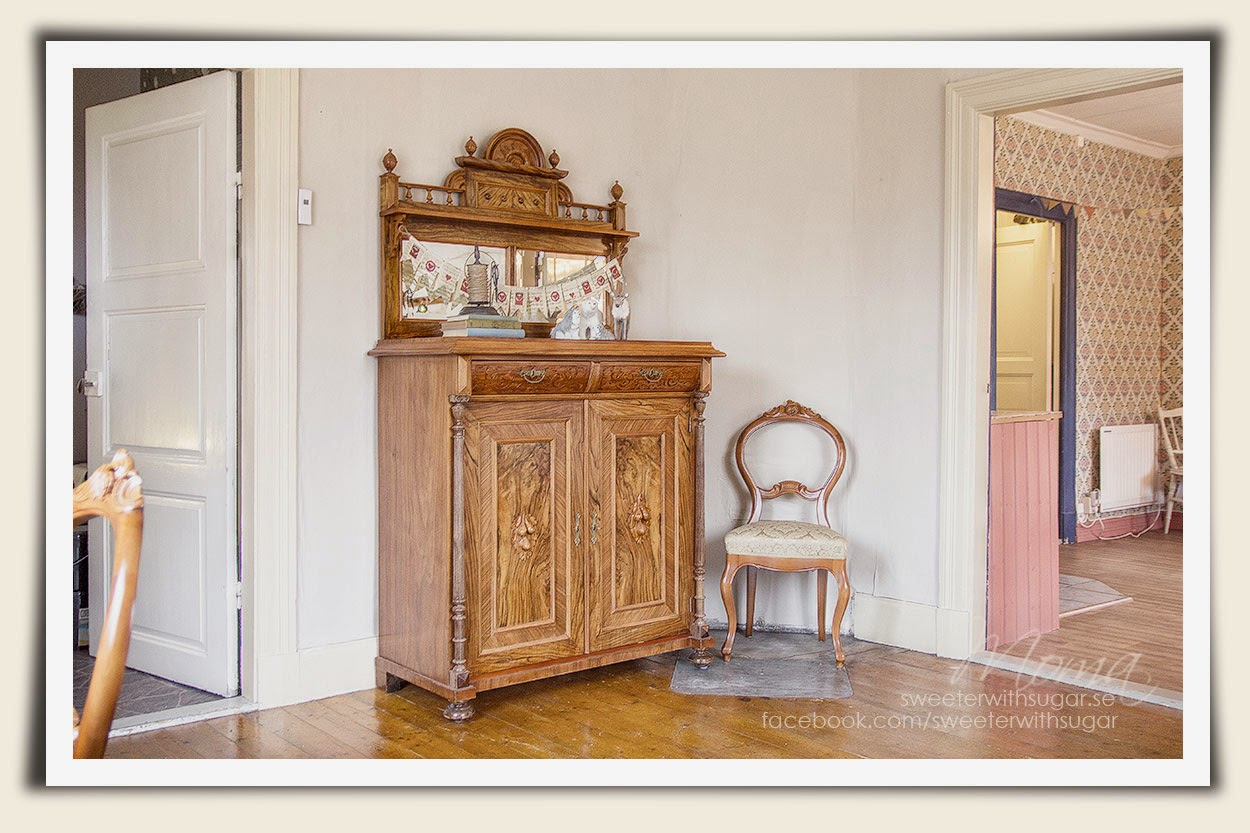 Vintage dresser, cabinet