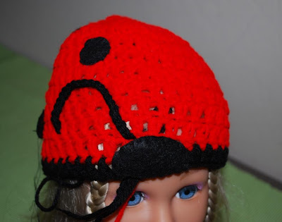 How to make a ladybug hat