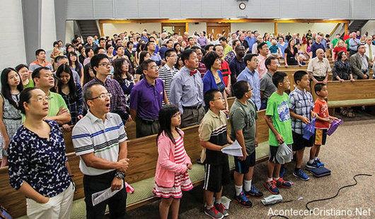 Cientos de chinos aceptan a Cristo y agradecen el haber conocido el Evangelio en EEUU