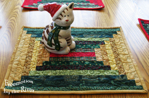 Gold log cabin placemat