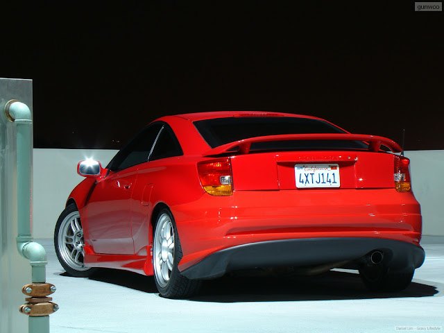 Toyota Celica T230, czerwona, z tyłu, jak wygląda, lampy, fajne samochody, auta z ciekawym designem, ZZT231