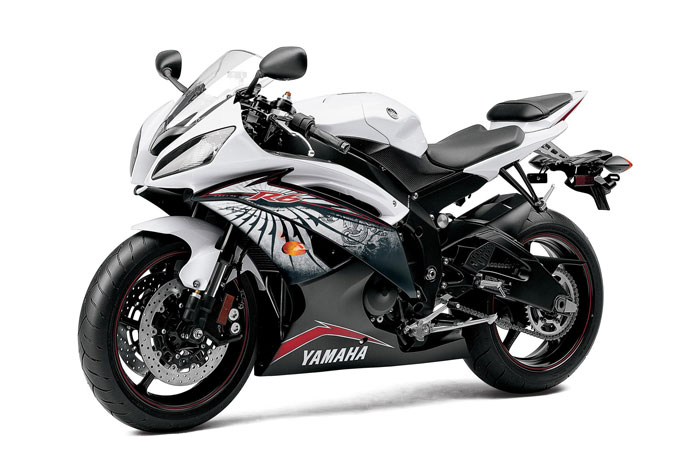 Download lpo 2012 yamaha yzf r6 review specs price and picture from the ycc t fly by wire throttle to the motogp inspired straight frame design to yamahas exclusive electronically variable intake stacks fandeluxe Images