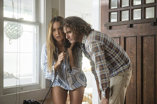 inherent vice-katherine waterston-joaquin phoenix