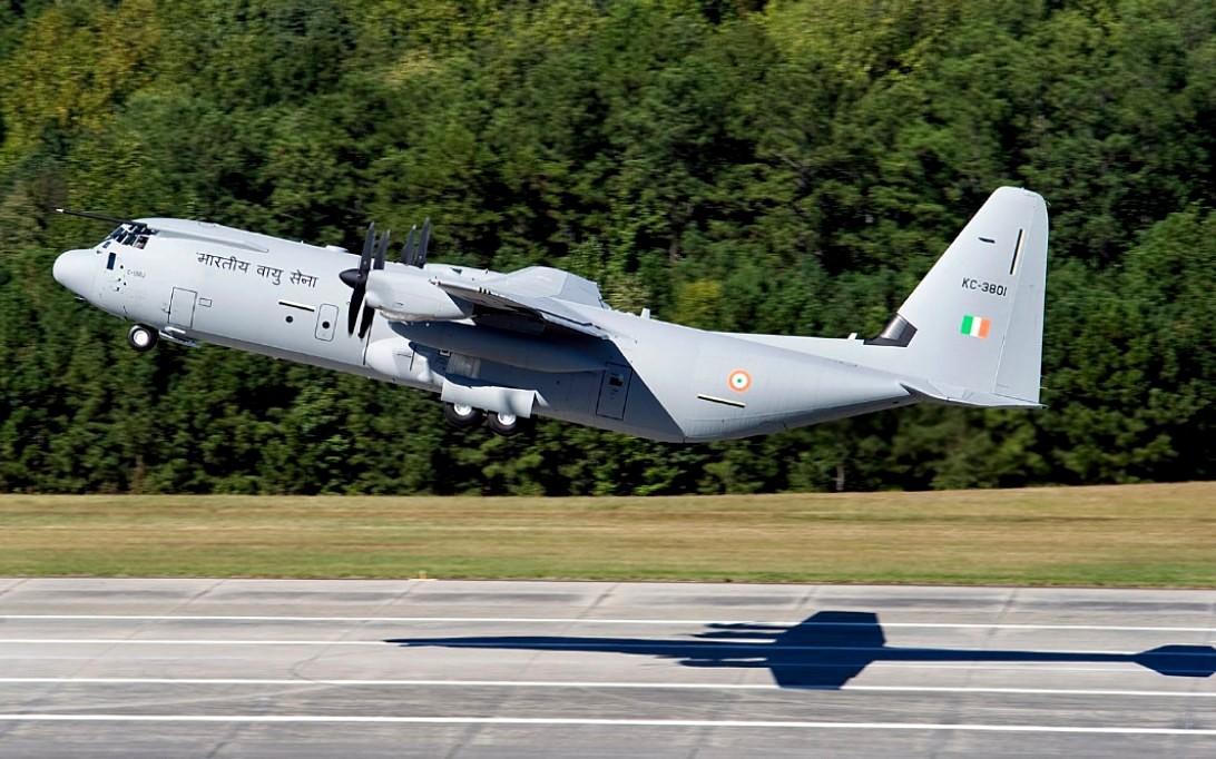 C-130J Super Hercules Transport Aircraft wallpaper 4