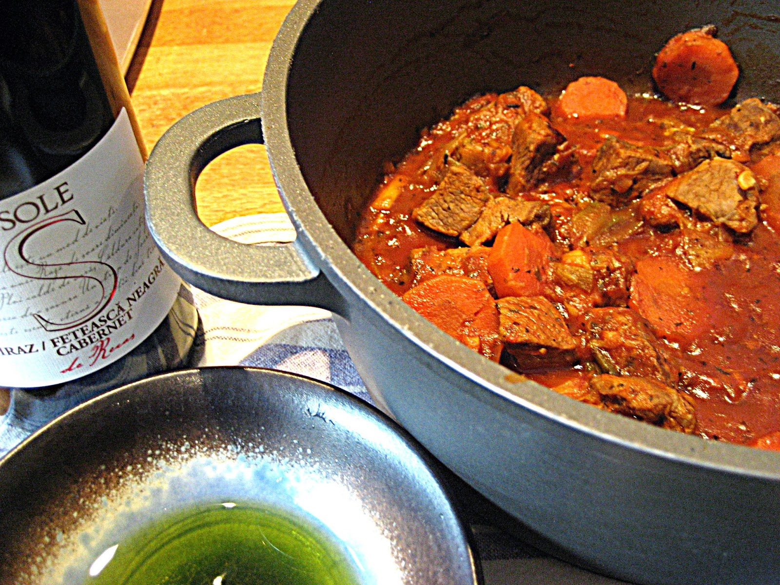 lamb gu ragu casserole leftover comfort food recipe Romanian wine Recas's Sole Shiraz