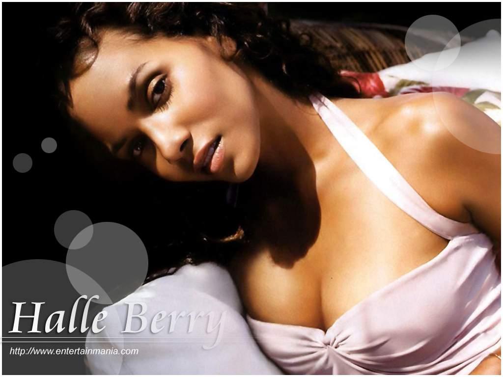 http://1.bp.blogspot.com/-NrHTZhRfvSI/Tg0FX_iV0iI/AAAAAAAAAHc/VZaHdFhwtbo/s1600/young-hot-halle-berry-pictures-774.jpg
