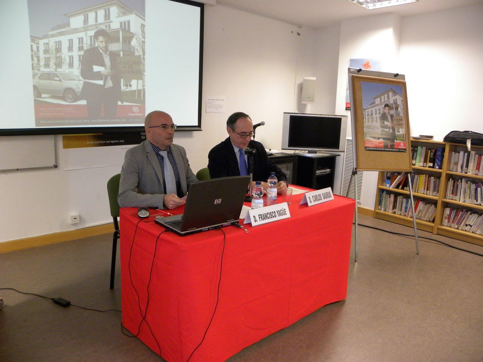 medios de comunicación social puesto desprotegido en Zaragoza