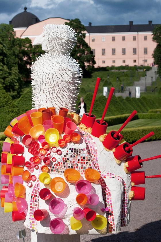 Konstverk i Uppsala: Bajs, toaborstar och Ikeamuggar!