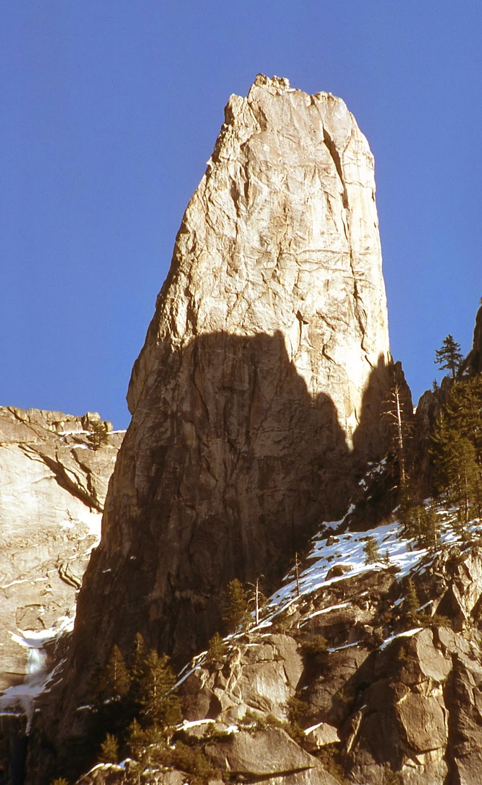 West Side .. Castle Rock Spire