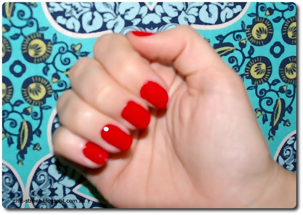 chic street super easy last minute christmas nails - Red Christmas Nails