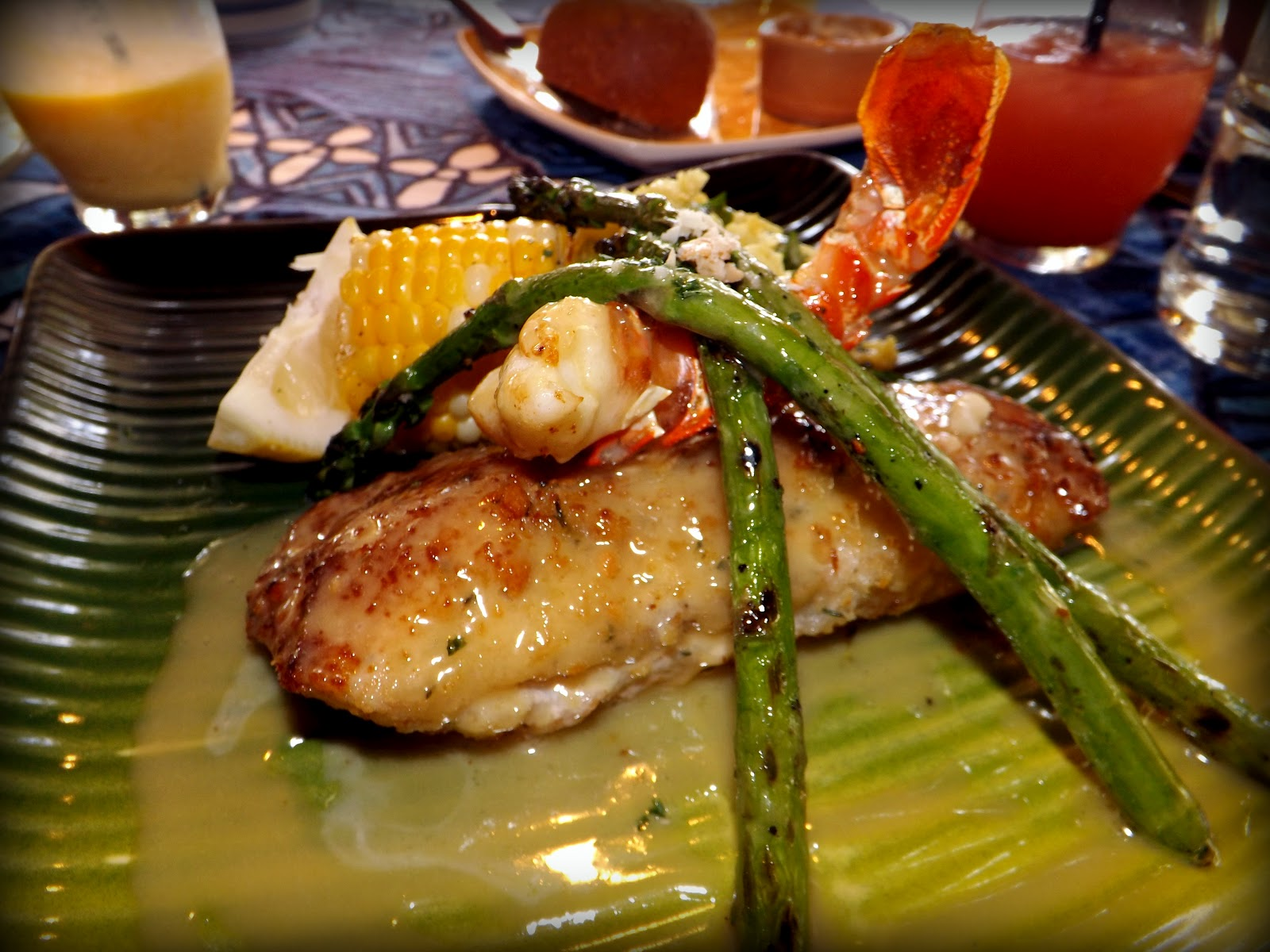 Wilsonsguide where to travel mama s fish house maui for Mamas fish house lunch menu