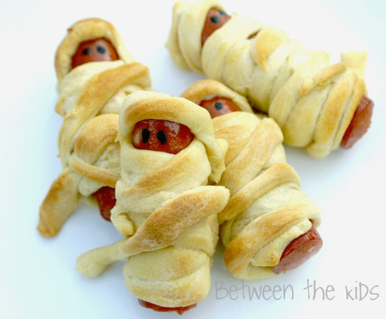 http://www.betweenthekids.com/2011/10/mummy-dogs-halloween-recipe/