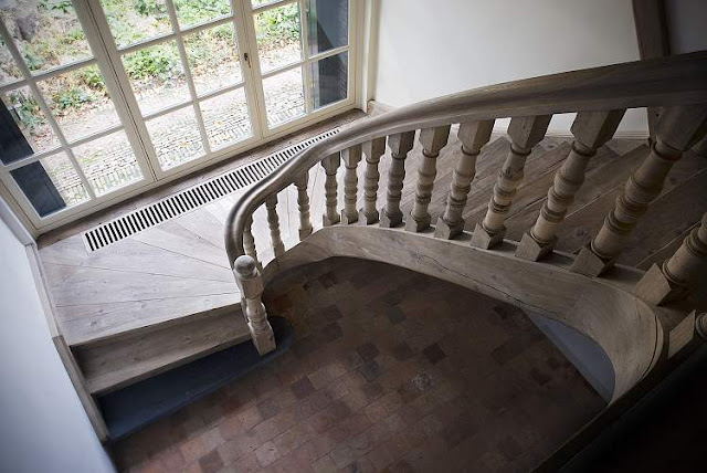 Old Oak Stairway, made for a Dutch mansion by Antiek Amber, as seen on linenandlavender.net