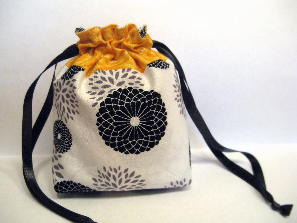 Crafting...: Mini drawstring bag