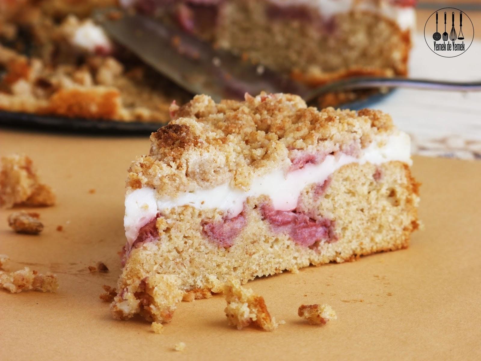Çilekli kırıntı kek tarifi