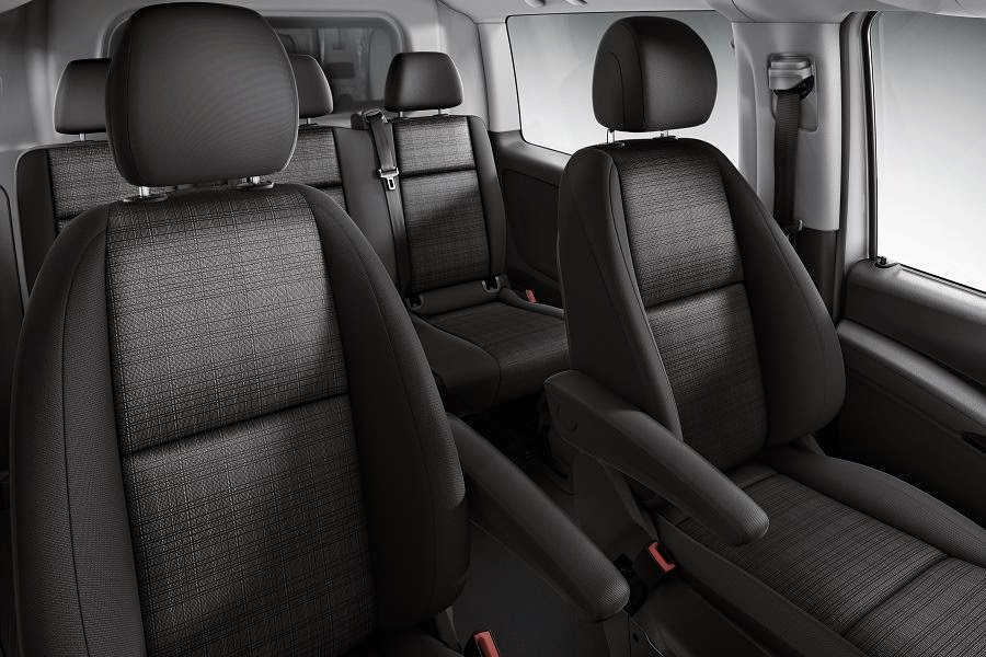 2015 mercedes benz vito first view autoesque for Mercedes vito interieur