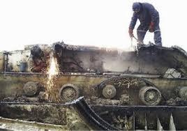 http://www.chilevision.cl/noticias/noticias/nacional/dos-ex-altos-funcionarios-del-ejercito-fueron-formalizados-por-venta-de-ilegal-de-tanques/2013-12-20/105237.html