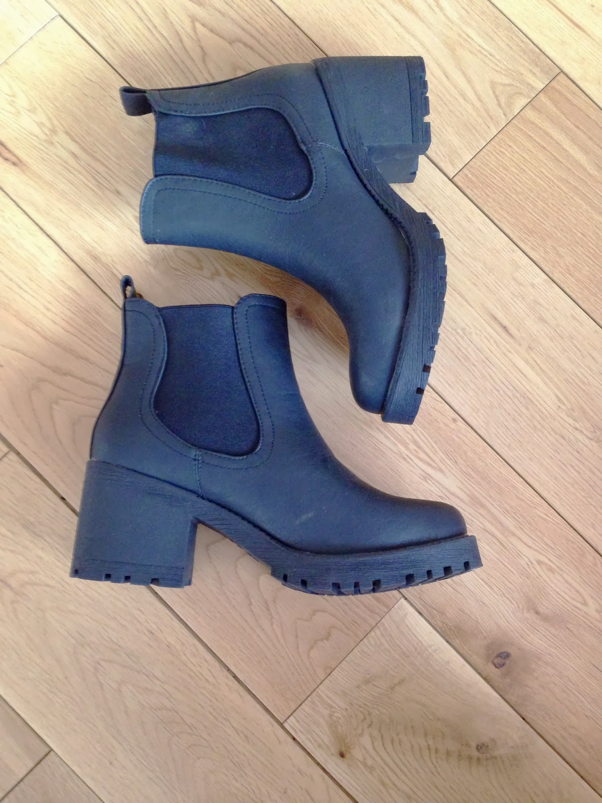 New Look Chunky Chelsea Boots Vagabond Dupes