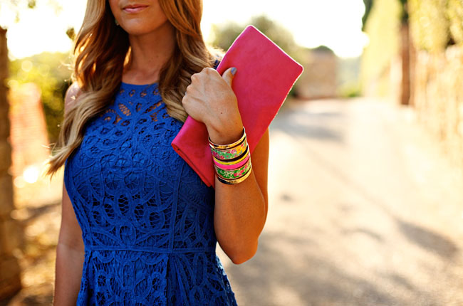 blue lace dress, lilly pulitzer blue lace dress, lilly pulitzer foley dress, pink foldover clutch, victoria khoss foldover, blue and pink, wedding outfit inspiration, fashion blogger