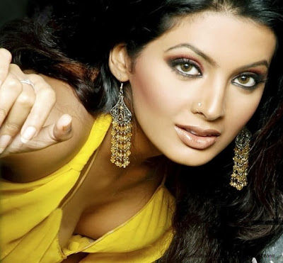Geeta Basra, bollywood, bollywood actress, picture of bollywood actress