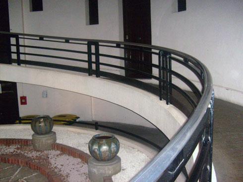 La maison sans escalier saint etienne conf rence de - Jardin en pente douce amenagement saint etienne ...