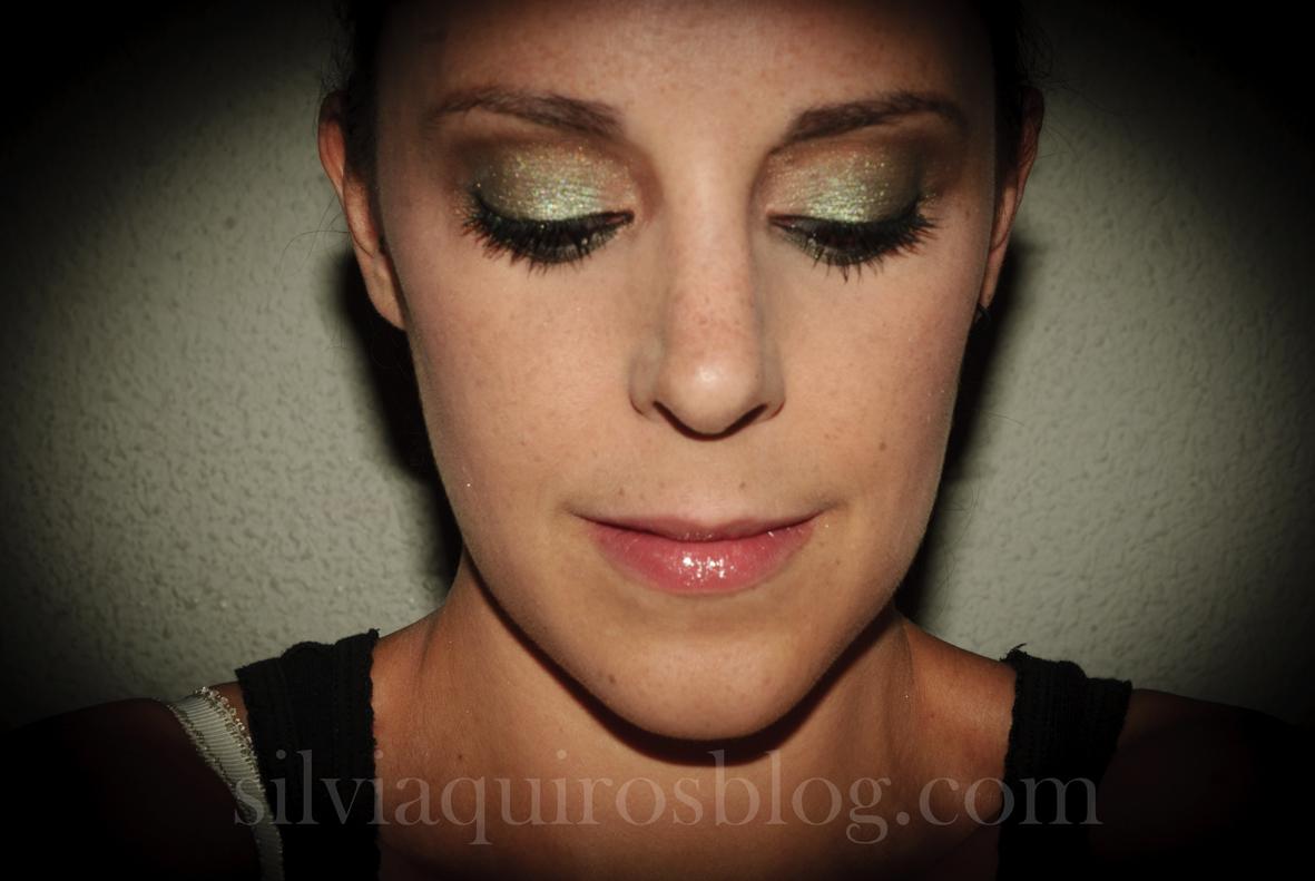 http://1.bp.blogspot.com/-NsR5wIey4UI/UFFBX3WjXfI/AAAAAAAARjA/w0IslCPTt1I/s1600/scarlett+johansson+verde14.jpg