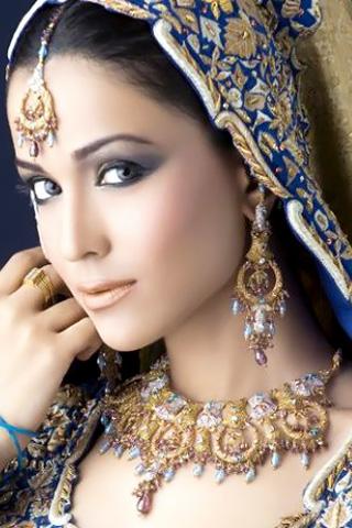 Humaima malik in bridal jewelery sets