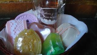 Sabonetes perfumados, difusor de varetas