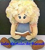 Imagem de bonequinha estudando