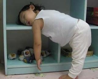 عند نهوضك من النوم لماذا يتغير شكل وجهك ؟