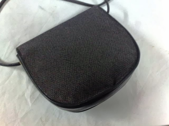 JohairiStore: Authentic YSL Sling Bag (SOLD)