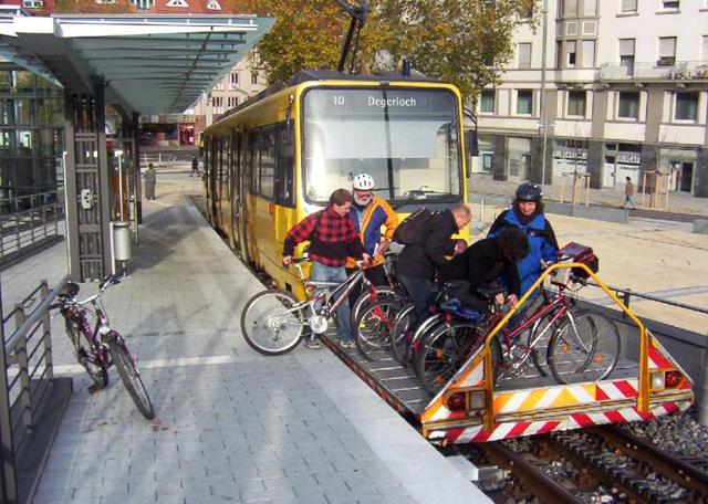 Trem alemão tem vagão exclusivo para bicicletas