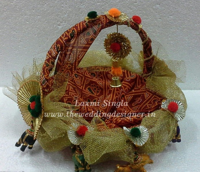 Designer wedding baskets wedding basket gift ideas wedding baskets these baskets are made up of quality 100 per cent paper fabric and are beautifully designed by our talented personnels these basket are use fruits basket junglespirit Gallery