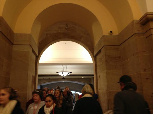 "<img src=""image.gif"" alt=""Capitol Hill Archway, Washington DC"" />"
