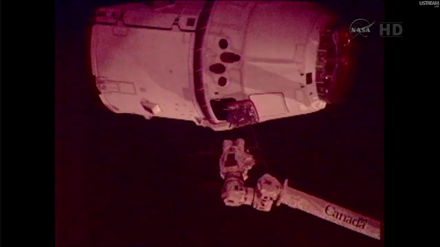 Dragon and Canadarm2