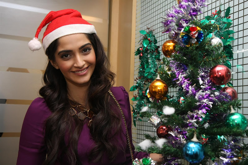 Sonam Kapoor Photoshoot for Christmas Event function pics