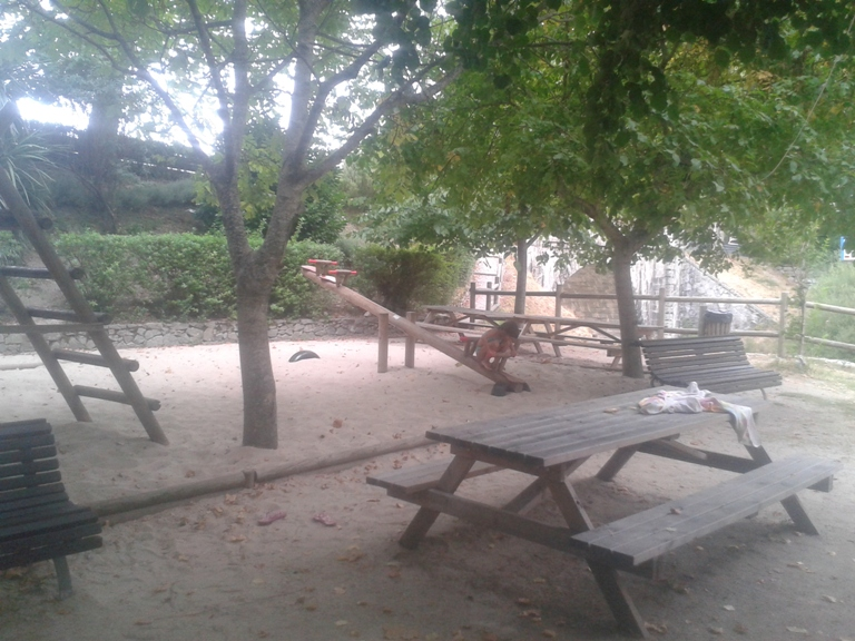 Parque Infantil praia fluvial Loriga